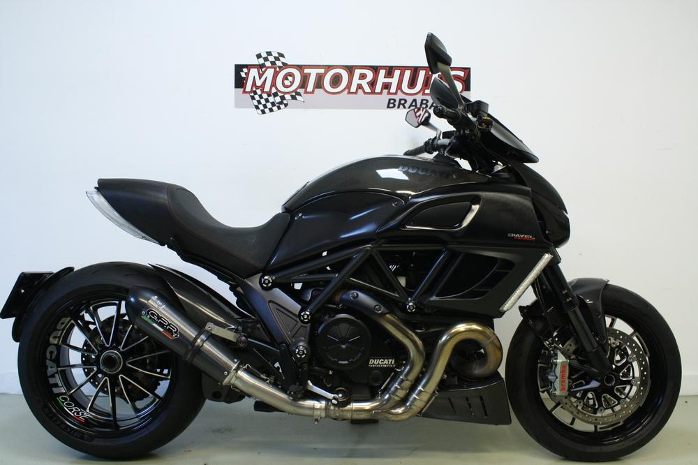 Ducati Diavel Carbon ABS